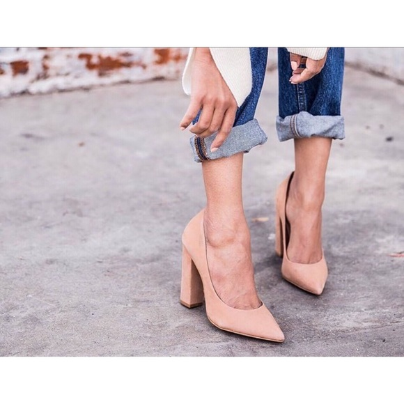c2efba583a6 Steve Madden PRIMPY camel nubuck chunky heels. M 5afcfcc985e6054752430f78